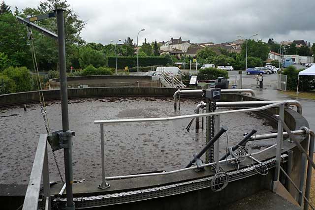 Réseau séparé, désormais, pour la station d'épuration de Villeréal.|Photo © jean-Paul Epinette - icimedia@free.fr