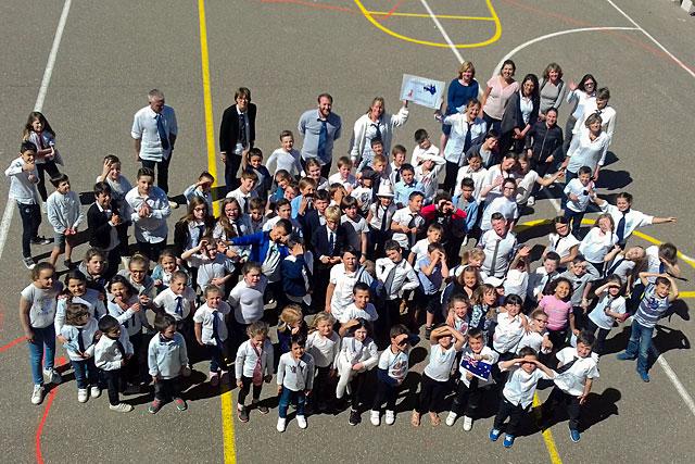 Les 96 écoliers villeréalais ont vécu une journée sur le thème de l'Australie...|-|Photo © DR - icimedia@free.fr