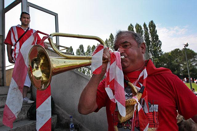 Sonnez clairons !... L'AS Lacapelle, de nouveau, est en finale du championnat de France !...|Archives © jean-Paul Epinette - icimedia@free.fr