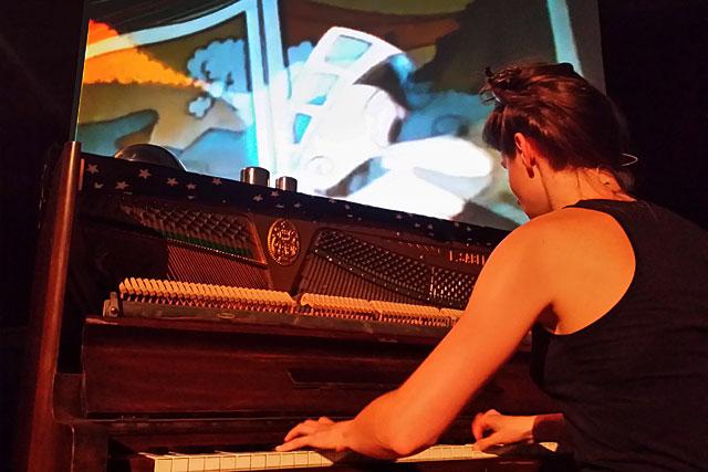 Au piano, Camille Phelep...|Photo © jean-Paul Epinette - icimedia@free.fr