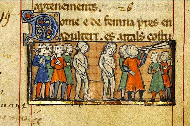 La charte des coutumes précisait la punition encourue par ceux qui se rendaitent coupables d'adultère...|Photo © AD47 - Ville d'Agen