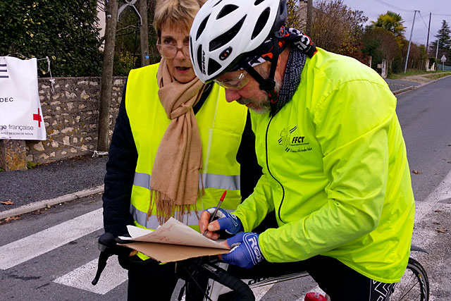 Après les pétitions, le temps est venu des cahiers de doléances...|Photo © Jean-Paul Epinette - icimedia@free.fr