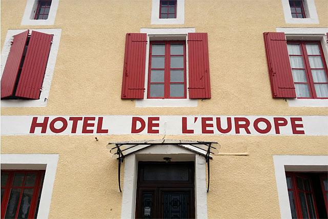 Le plus que centenaire hôtel-restaurant de Villeréal, rouvre ses portes...|Photo © Jean-Paul Epinette - icimedia@free.fr