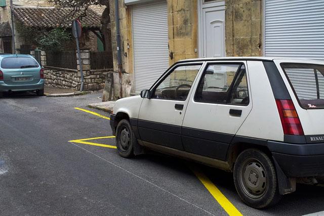 Depuis longtemps la municipalité pointe les incivilités du doigt...|Archives © Jean-Paul Epinette - icimedia@free.fr