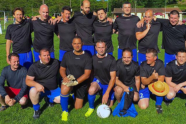 L'association des Vieux crampons du foot villeréalais est née au tournoi de Limeuil. |Photo DR