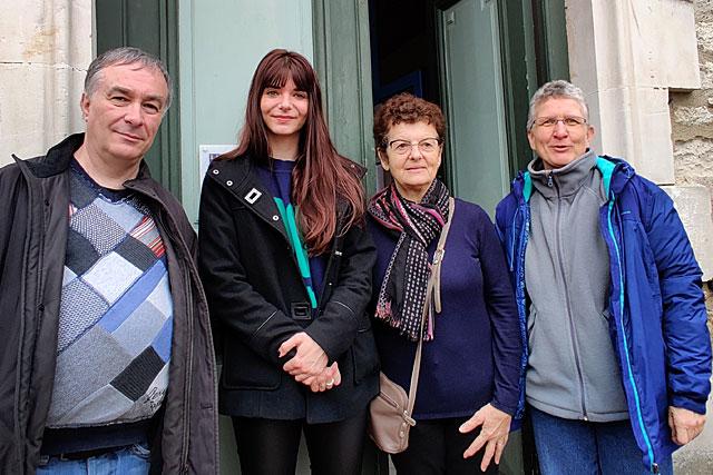Les quatre agents recenseurs ont entamé la tournée systématique des maisons de la commune...|Photo © Jean-Paul Epinette.