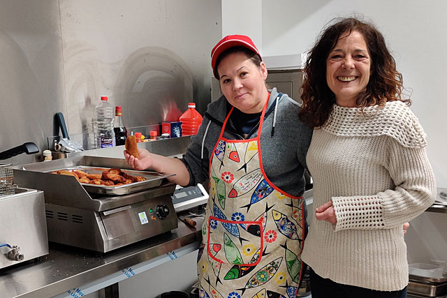 Au restaurant La Casa Real, Marie Jo a trouvé un compromis : l'épicerie sera ouverte et elle fournira des plats à emporter...|Photo © Jean-Paul Epinette.