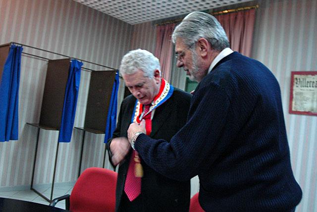 Passage de témoin entre Guy Berny et Pierre-Henri Arnstam lors de la séance d'installation le 14 mars 2008. Archive© jean-Paul Epinette