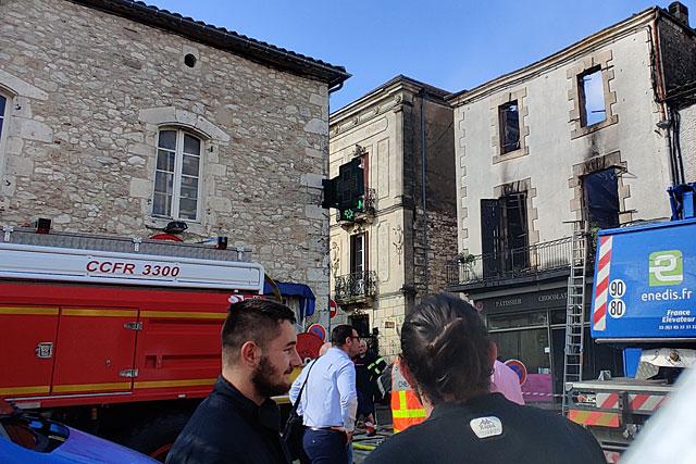 Le maire de Villeréal est rentré de Toulouse dans la nuit pour être présent auprès des victimes et des secours...|Photo © Jean-Paul Epinette.