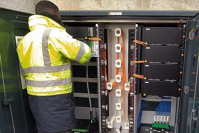 La fibre optique est arrivée en ville... et dans nos campagnes...|Photo ARIASE (dr)