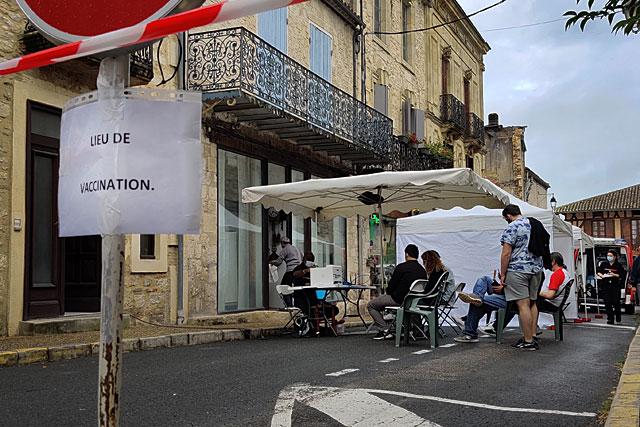 Samedi, le stand de vaccination sera installé Place du Fort...|| Photo © Jean-Paul Epinette